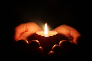 holding_candle